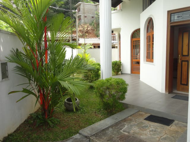 Sherene's Home Stay - Kandy - Hus