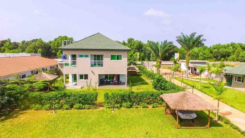 Villa Le Sunshine sur la lagune Assinie