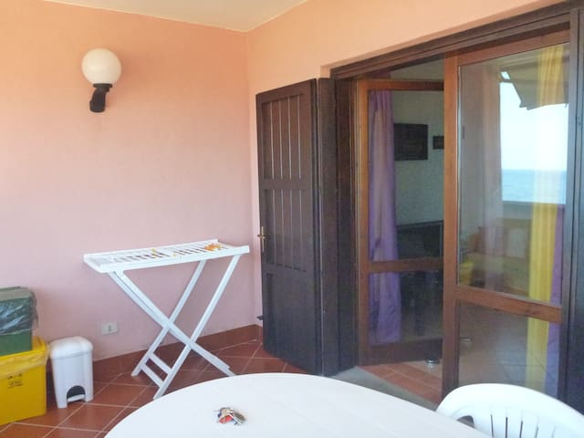 The relaxing den with stunning sea views - Portu Maga - Casa