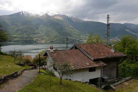 villa Annita stupenda vista lago  - Dervio - Chalet