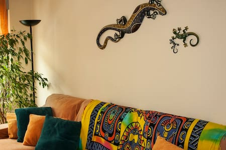 Quiet room 6 minutes from downtown - Oviedo - Bed & Breakfast