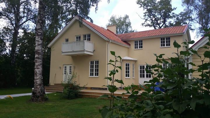 Family Friendly Villa close to City and Sea