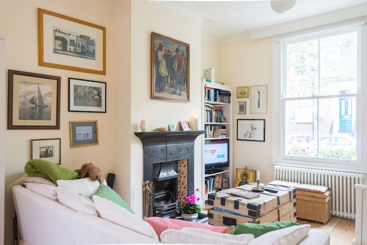 Beautiful 3 bed Victorian house by park & canals - Lontoo - Talo