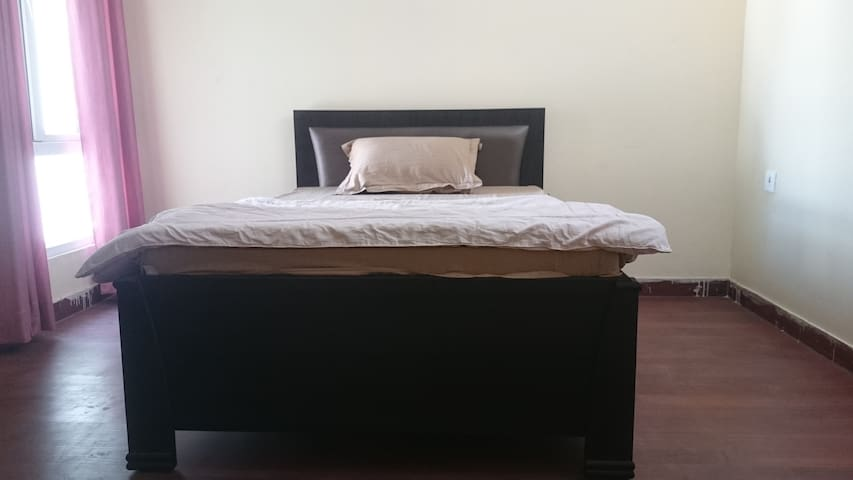 Pathak Home Stay ( individual complete flat)