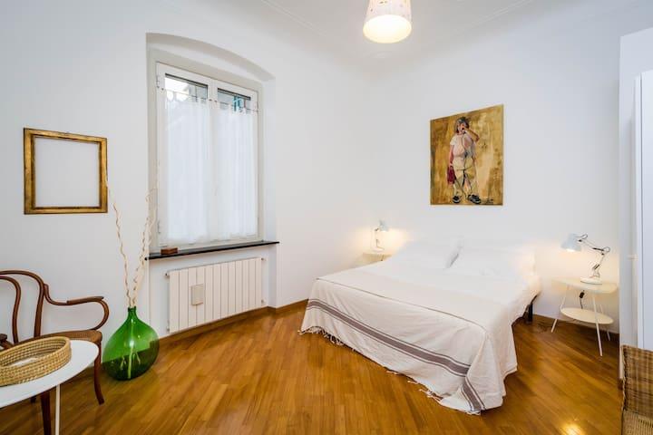 BED AND BIO camera doppia - Genua - Bed & Breakfast