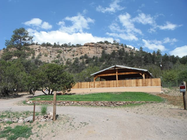 Comfortable Gila Hot Springs Cabin - Silver City - Hus