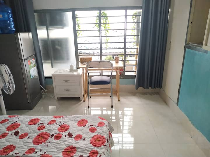 Room 14m2, district 1, Near market 100m