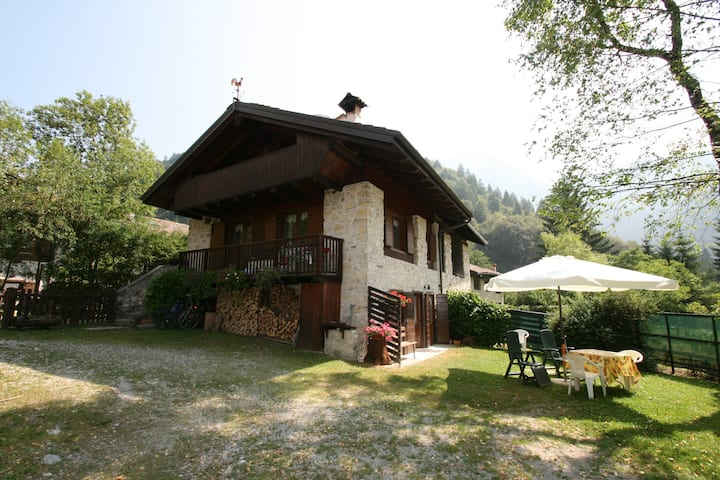 Original Eco-Chalet im Ledro Valley