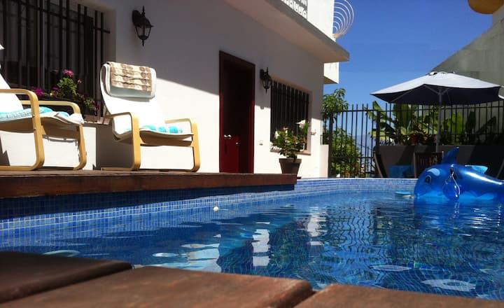 Casita con piscina privada/BBQ/WIFI - SATELLITE TV