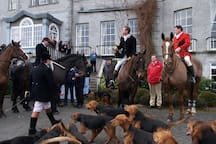 Scarteen Hounds from Tipperary meeting at Mount Juliet