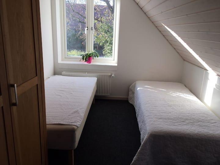 , 2 værelser, køkken og bad