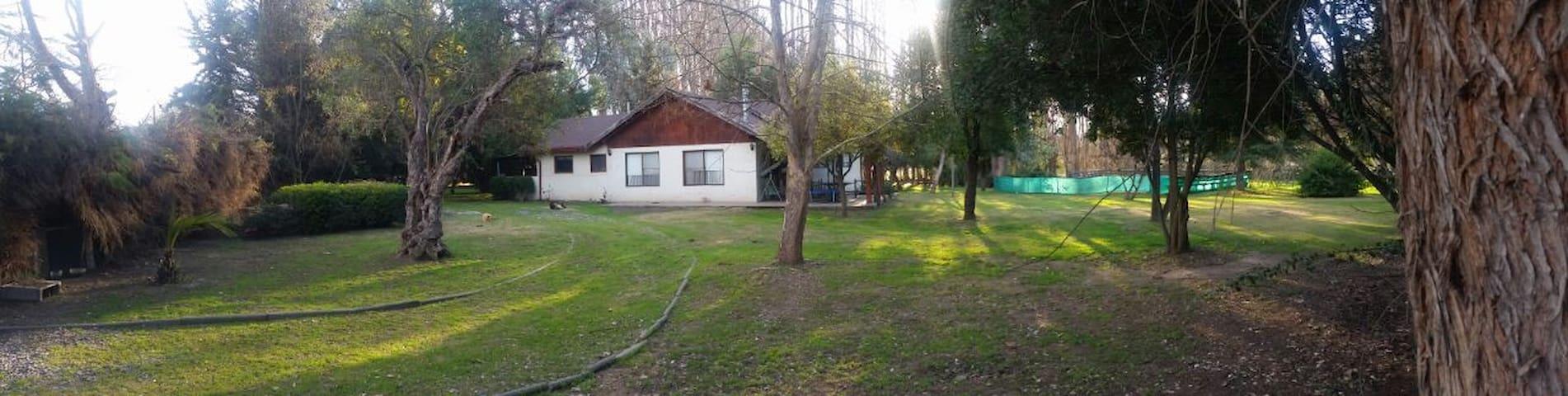 Parcela rodeada de naturaleza, cerca de Santiago