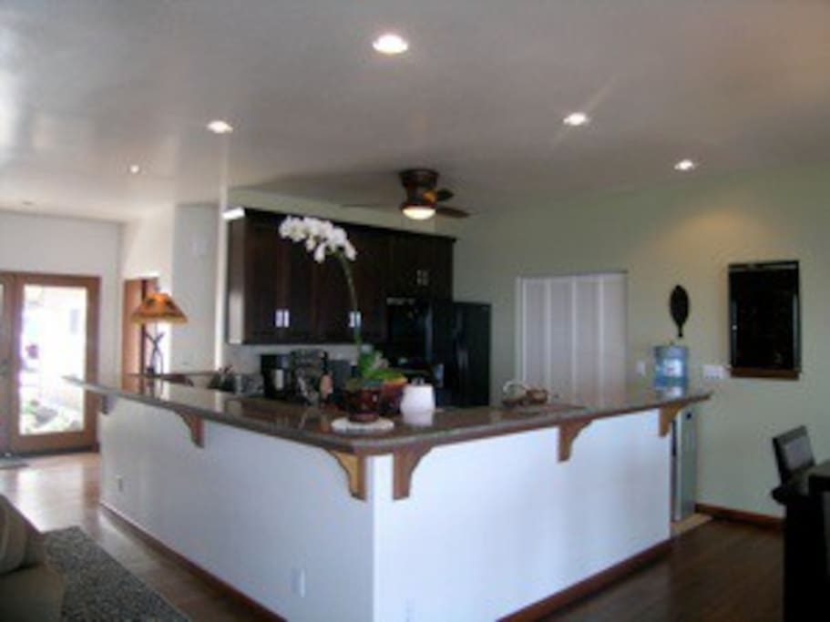 Beautiful granite top kitchen, fully equipped for any chef in the family.