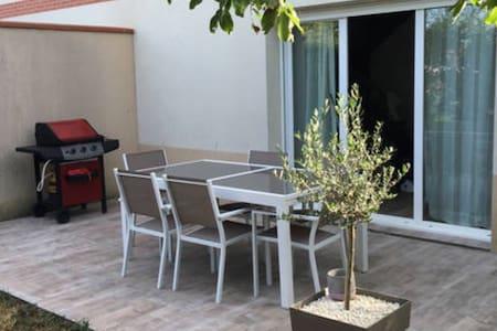 Villa tout confort avec piscine - Haus