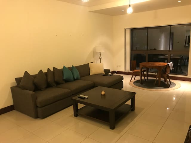 Large Apartment In Palm Jumeirah