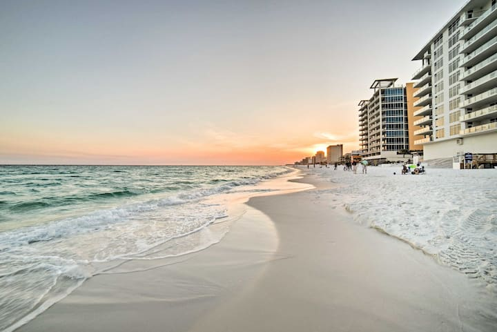 Destin Resort Condo, Sleeps 6 - Walk to Beach