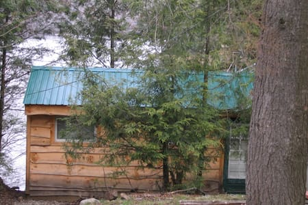 Moose Lodge at Lake Desolation - Middle Grove - Zomerhuis/Cottage