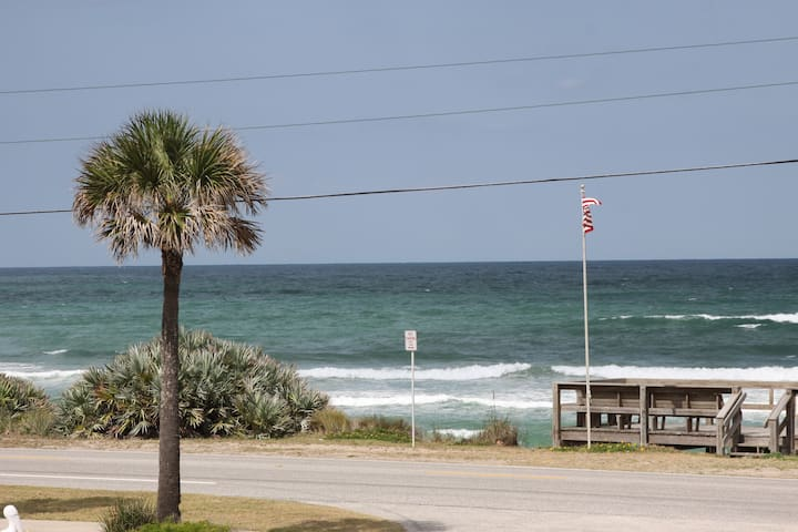 Oceanview, pool, private beach! - Ormond Beach