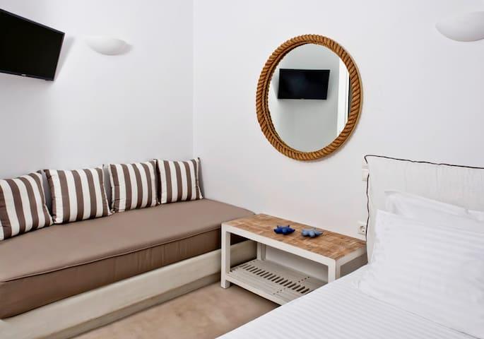 Κρεβατοκάμαρα με δυο μονά κρεβάτια  Superior Villa