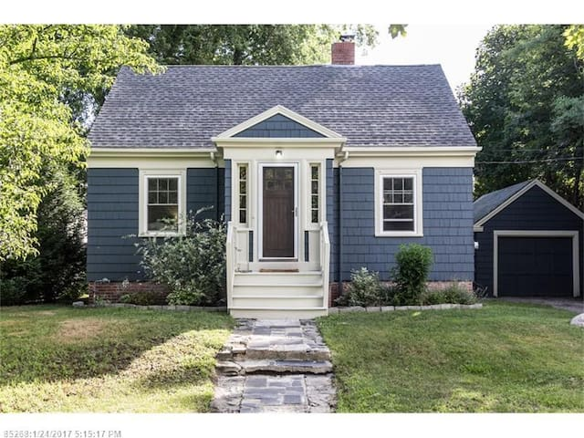 The quintessential Maine cottage. Clean & Cozy! - South Portland - Haus
