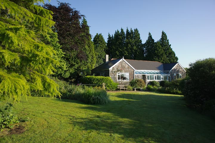 Spacious secluded bungalow on Dartmoor, TQ13