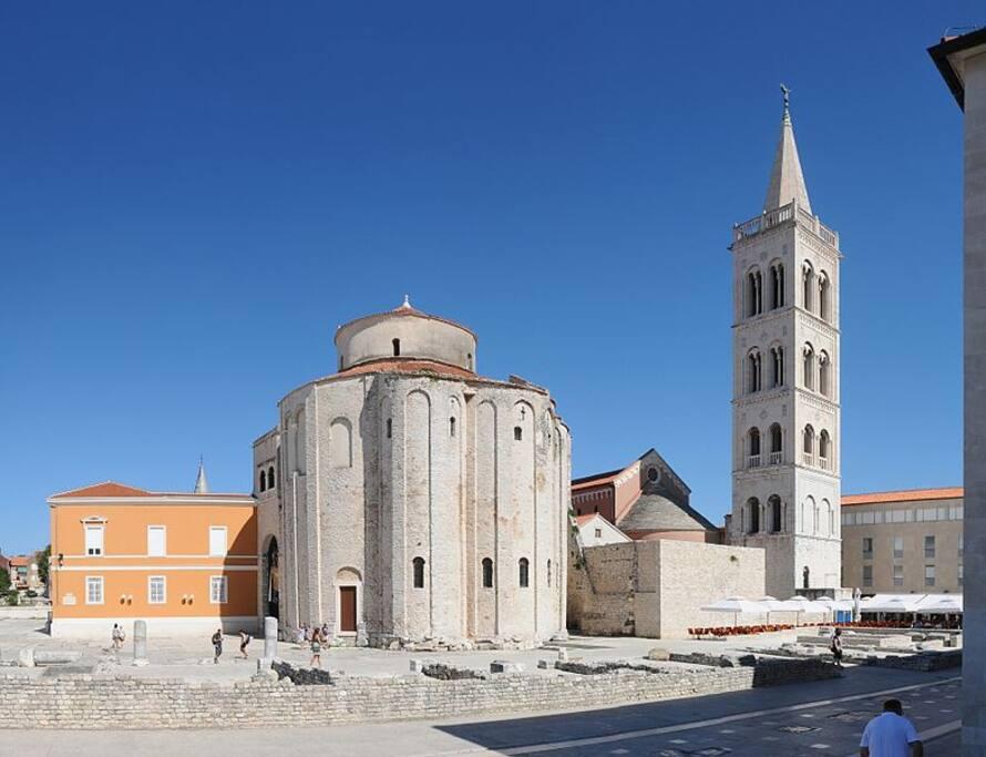 Donat Church and Roman Remains. 3 min walking.