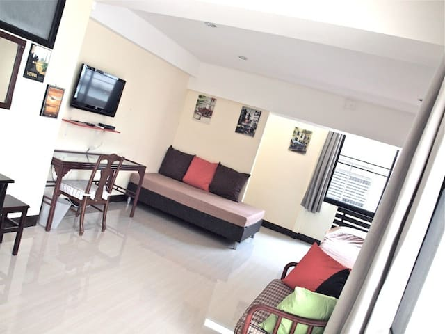 7. Bangkok big bright Apartment 402