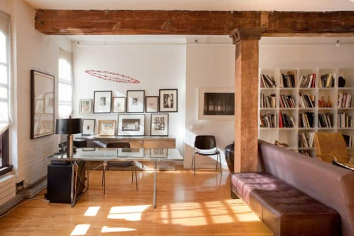 Inviting Photographer's Loft in Tribeca
