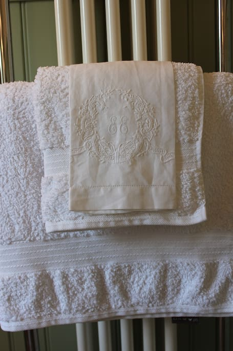 Fluffy towels and linen.