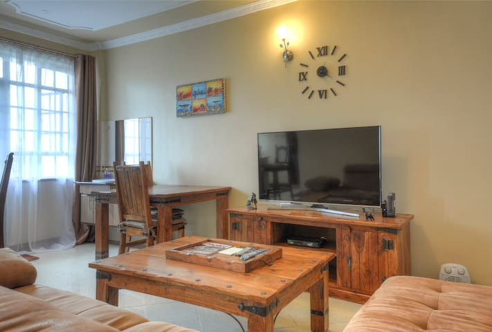 Beautiful rustic-style furnished 1bed apt - Westlands - Huoneisto