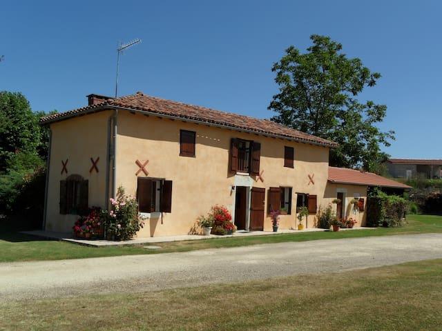 maison ancienne entièrement rénovée - Audignon - House