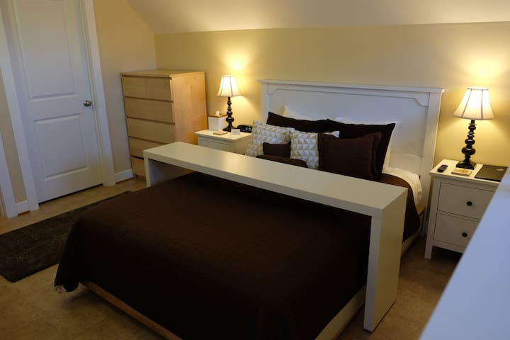 Private 1-Bedroom Studio Apartment - Charlottesville