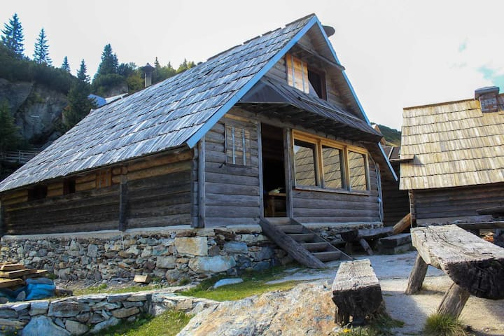 Prokosko lake mountain cabin - Fojnica - Blockhütte