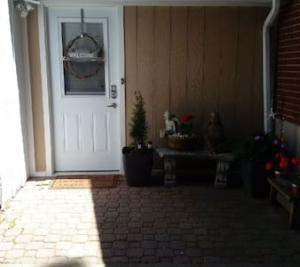 Private and cozy apartment in the  1000 ISLANDS - Brockville