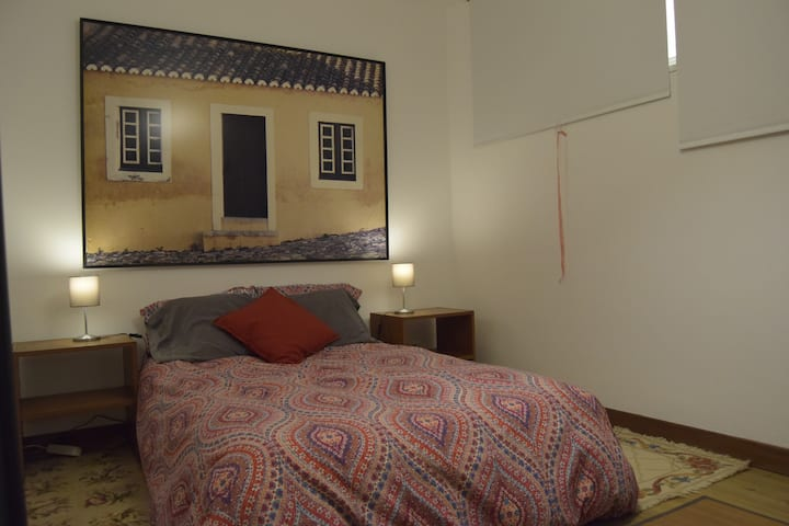 Double bedroom with ensuite in large house
