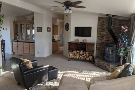 Tonopah Nevada WHOLE house, 2400 ft² to relax.