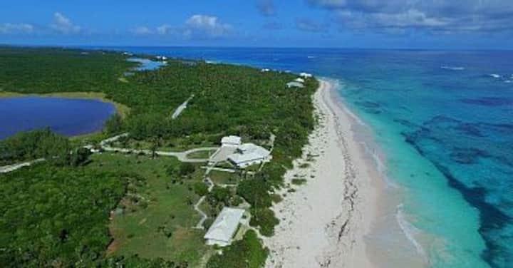 Private Beachfront Estate, 9 acres w/725' beachft