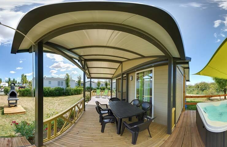 Cottage avec jacuzzi privé