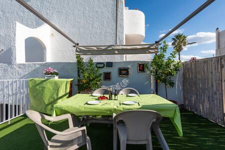 Referbished private villa. Sea view