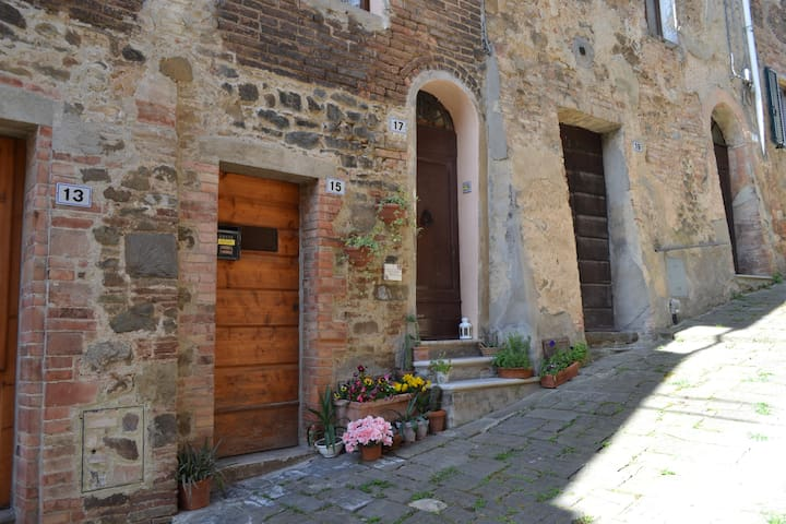 Rustic home in the heart of Montalc - Montalcino - Talo