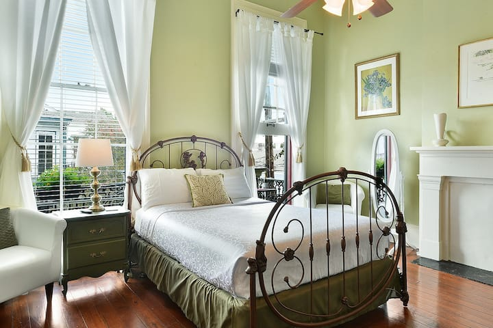 Balcony Suite in Marigny Historic Mansion- #7