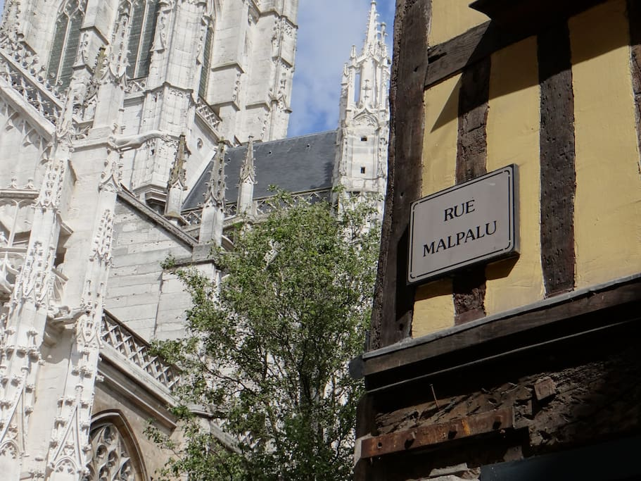 Proche église Saint Maclou