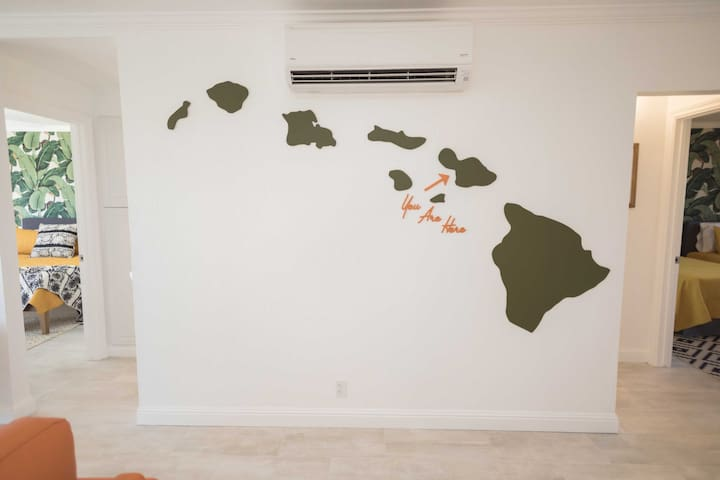 Track where you are with the image of the islands on this wall.