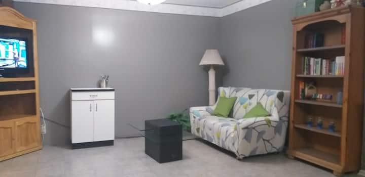 Amplia habitación con entrada independiente