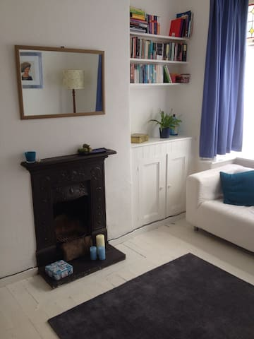 Large Double Room - w/Parking - Manchester - Bed & Breakfast