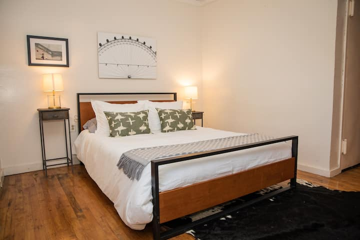 Lovely Gorgeous Studio for 2 in Chelsea!