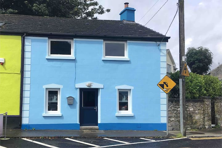 Seafront Cottage in Kinvara village
