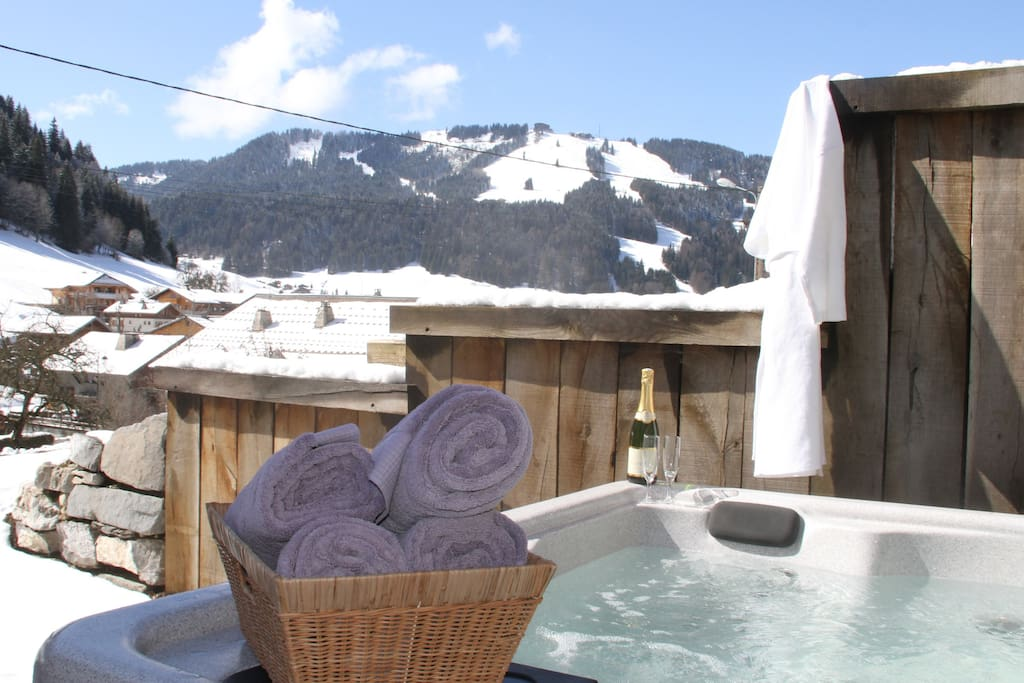 Hot Tub with Beautiful Views