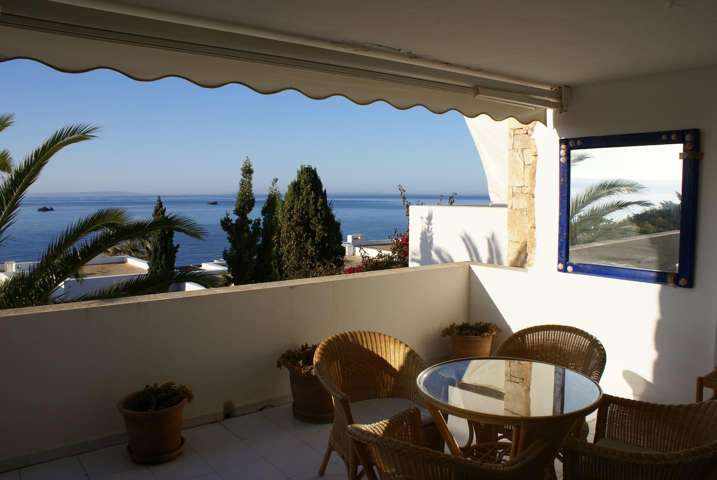 Gran terraza y vistas al mar y Formentera