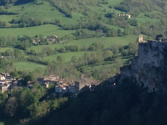 Lejlighed i middelalderby, Frankrig - Penne - Flat